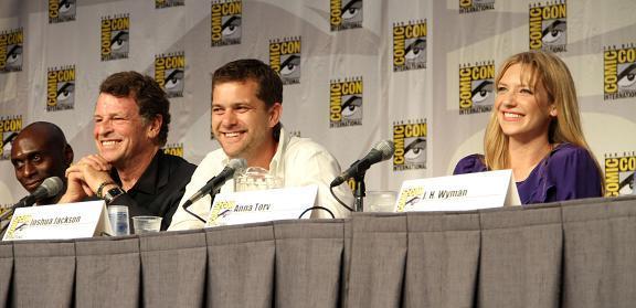 Comic-Con 2010 Warner Bros. Fringe Panel SDCC, CA