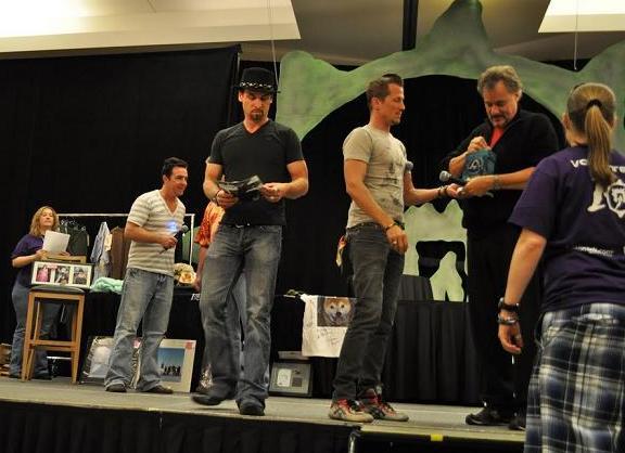Gatecon 2010 Paul, Colin, Corin and John dance!