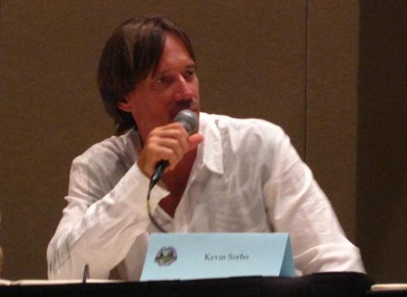 Kevin Sorbo of Andromeda at Dragon*Con 2010!