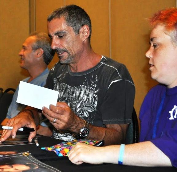 Gatecon 2010 Cliff Simon at the auto tables!