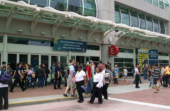 ComicCon 2010 Outside Entrance