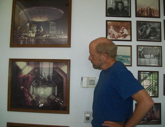 Kenny Johnson with original V set images!