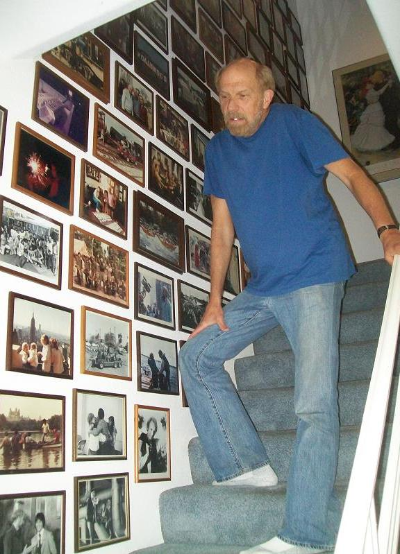 Kenny Johnson's on stairwell with many collector images!