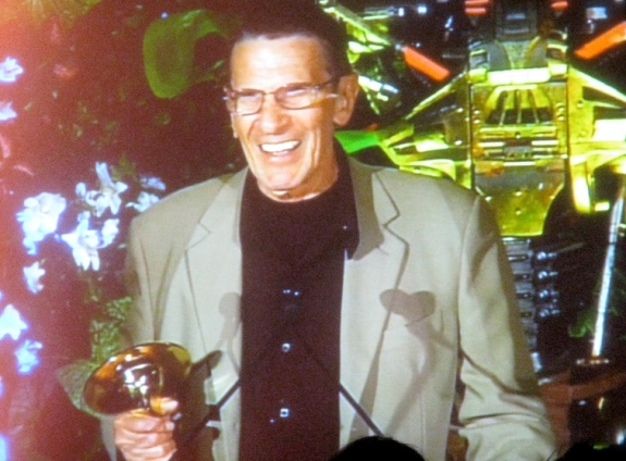 2010 Leonard Nimoy Accepts Saturn Award!