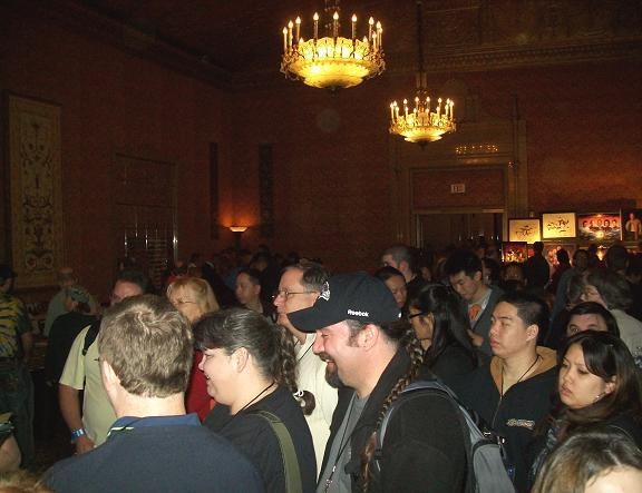 2010-SF Star Trek Crowds Sunday! Click & visit Creation Ent