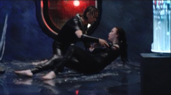 2010 SGU S1x11 Space -Chloe is saved