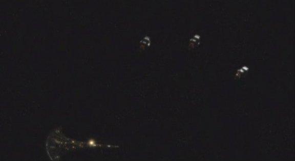 2010 SGU S1x12 Divided -Aliens fire on Destiny
