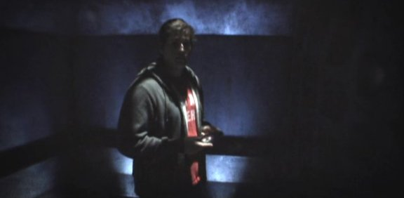 2010 SGU S1x12 Divided - Eli at the doorway