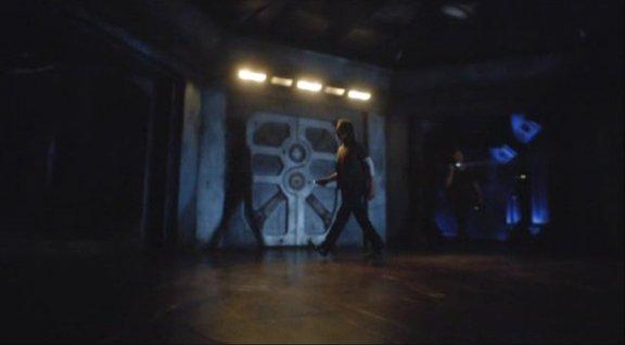 2010 SGU S1x12 Divided - In the hall
