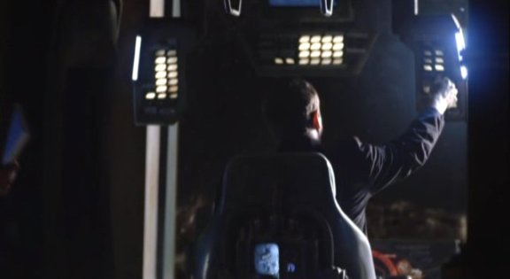2010 SGU S1x12 Divided - Lights turning on