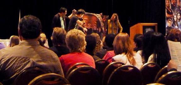2010 VanCon - No Minimum Bid Auction Fans