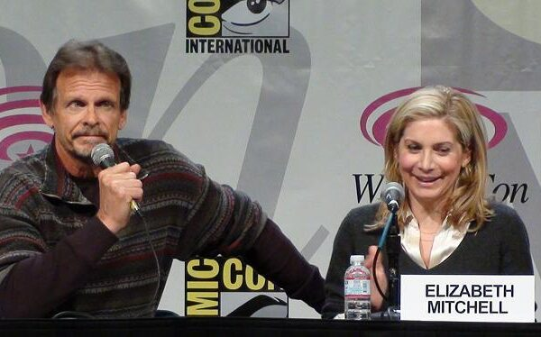 WonderCon 2011: V Series Interviews with Scott Rosenbaum, Elizabeth Mitchell and Marc Singer PLUS Season Three Secrets!