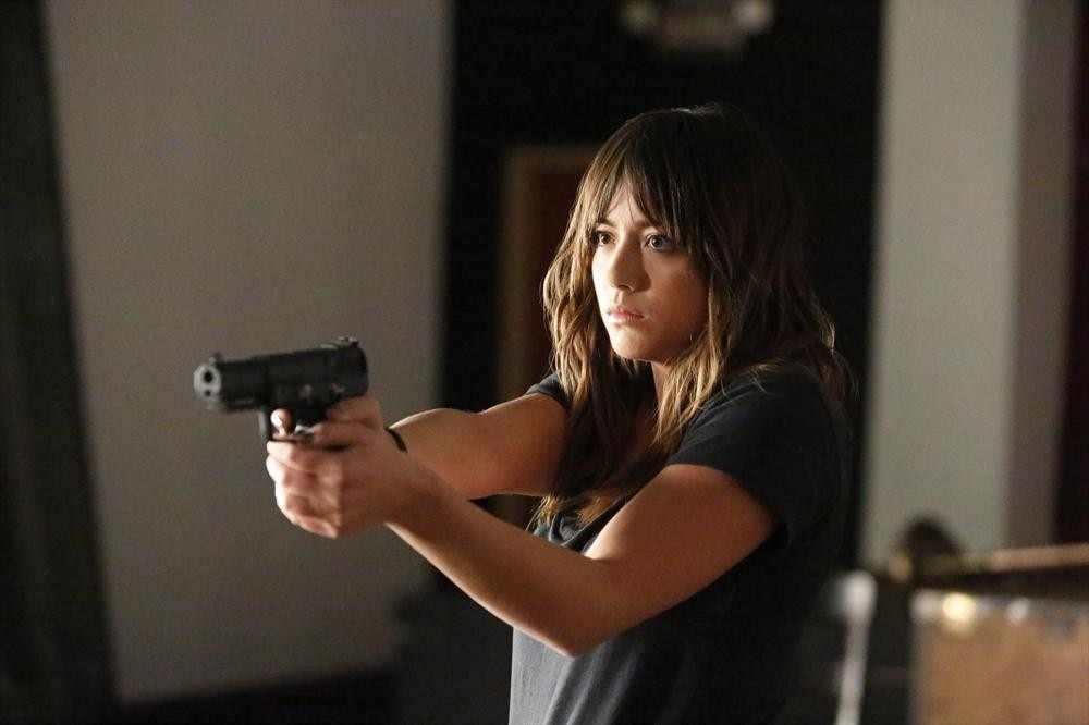Agents of S.H.I.E.L.D. – Ye Who Enter Here Skye Rolling in The Deep and Poor Mac!