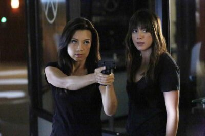 Agents of SHIELD S2x09 Melinda and Daisy take aim