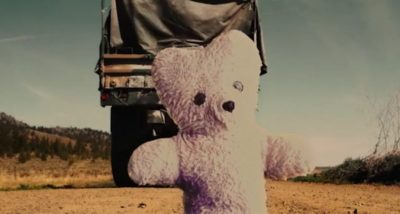 Van Helsing S4x06 Axel and Phil find Owens teddy bear on the road