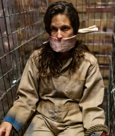 Van Helsing S4x06 Jennifer caged in Mattys house of horrors