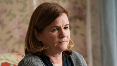Jeannie Anderson portrayed by Mare Winningham