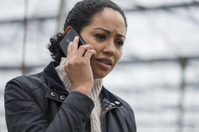 Debris S1x04 Finola gets a disturbing call from Priya