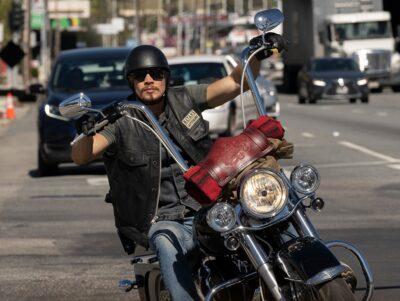 Mayans MC S3x08 JD Pardo rides as Ezekiel EZ Reyes