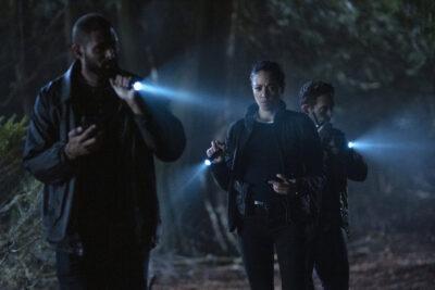 Debris S1x06 Finola, Bryan and Agent Tom search for Kurt and Clara