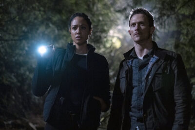 Debris S1x06 Bryan and Finola find out where Kurt and Clara went together