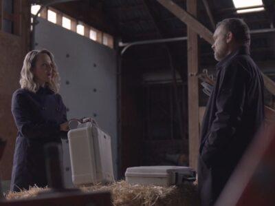 Debris S1x13 Irina and Maddox meet to swap Debris offering Irina another door for her