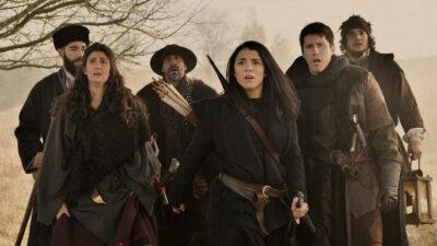 Van Helsing S5x03 Jack, Bathory, Roberto and the vampire hunters head back to the castle