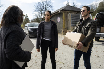 Debris S1x12 George discusses Maddox with Finola and Bryan
