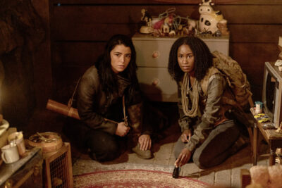 Van Helsing S5x08 Jack and Violet find Emmetts home in the cave
