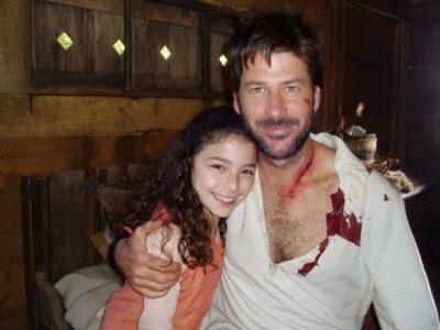 Nicole Muñoz with Joe Flanagan in Stargate Atlantis