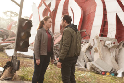 La Brea S1x02 Marybeth chats with Lucas