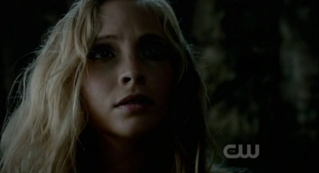 3x02 TVD Caroline Chained Up - Daddy