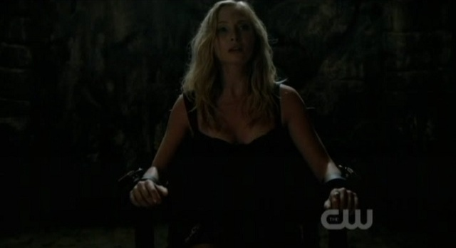 3x02 TVD Caroline Chained Up