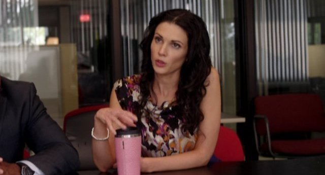 Alphas S1x01 Pilot - Nina Theroux knows the answer