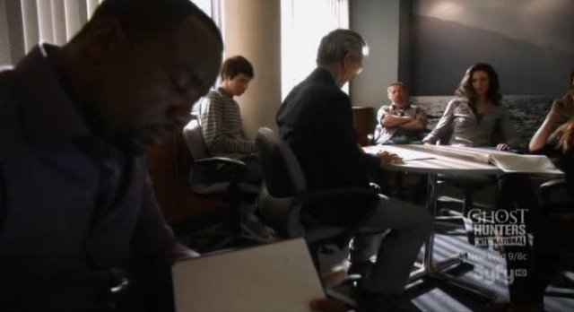 Alphas S1x02 - The Alphas team at work