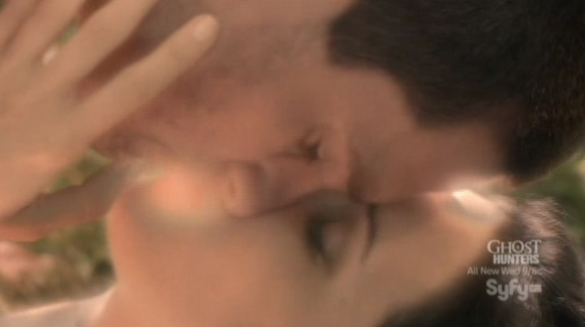 Alphas S1x08 - A Short Time in Paradise - Cameron and Nina Kiss