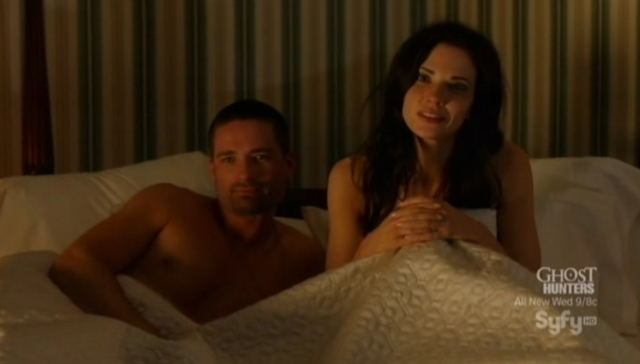 Alphas S1x08 - A Short Time in Paradise - Cameron and Nina in Bed