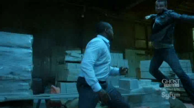 Alphas S1x10 - The Unusual Suspects - Cameron and Bill Fight