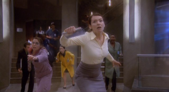Eureka S4x12 - All at GD trapped by the statis field