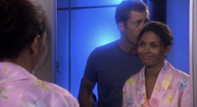 Eureka S4x12 - Allison gets a kiss from Carter