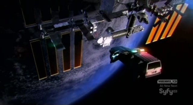 Eureka S4x14 - Carter Jeep in orbit