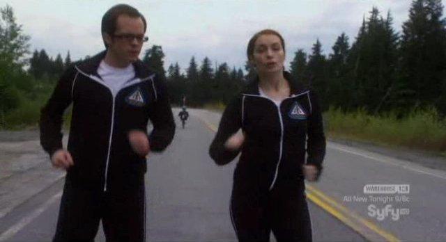 Eureka S4x18 - Fargo and Holly jogging