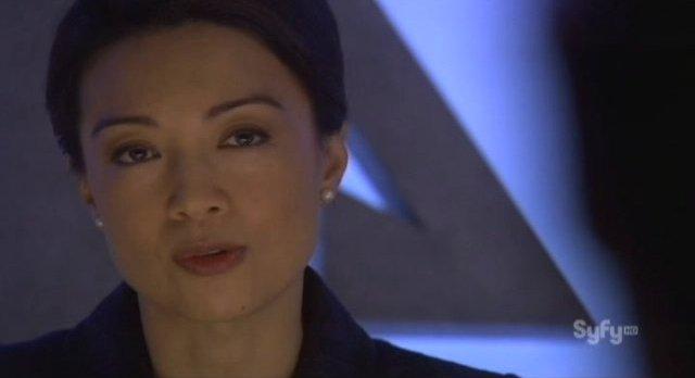 Eureka S4x18 - Senator Wen uses the device on Zane