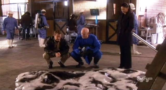 Eureka S4x19 The cow does not survive FTL