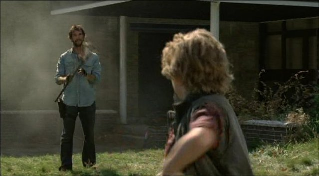 Falling Skies S1x02 - Lighter moments between father and son