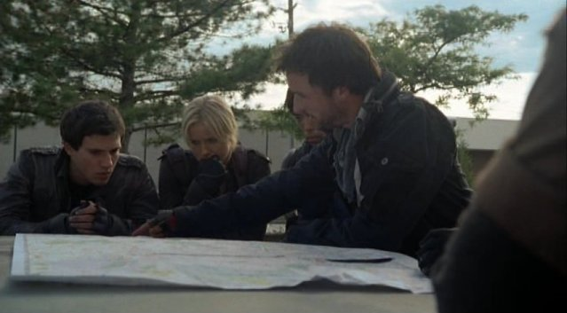 Falling Skies S1x02 - Planning the attack