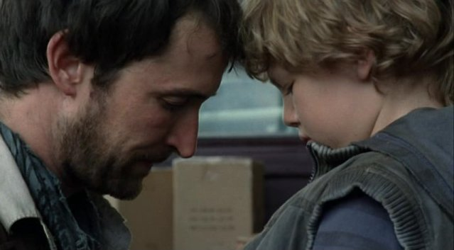 Falling Skies S1x02 - Save the child or join the resistance