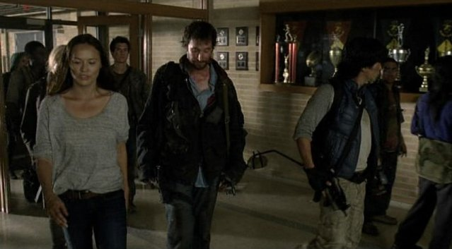 Falling Skies S1x03 - At the local resistance headquarters