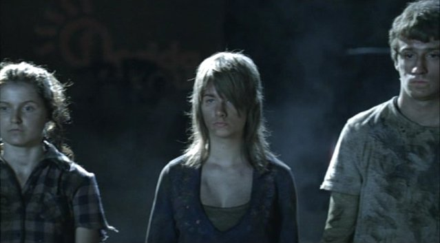 Falling Skies S1x03 - Drugged and harnessed