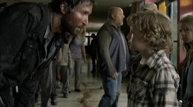 Falling Skies S1x03 - Tom and Matt with talking distraction in background